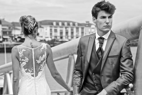 Cosrtumes du marié Camillian chez Olivier Sinic