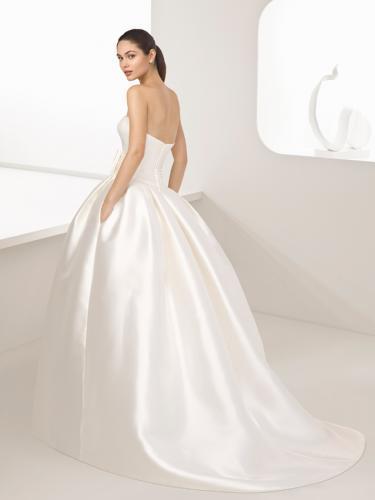 Robe de La Collection Rosa Clara robe de Mariée à découvrir au Château Blanc Olivier SINIC à Verlinghem Collection 2018.